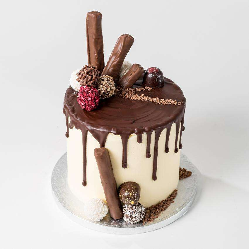 Drip-Cake-Front-High_850x