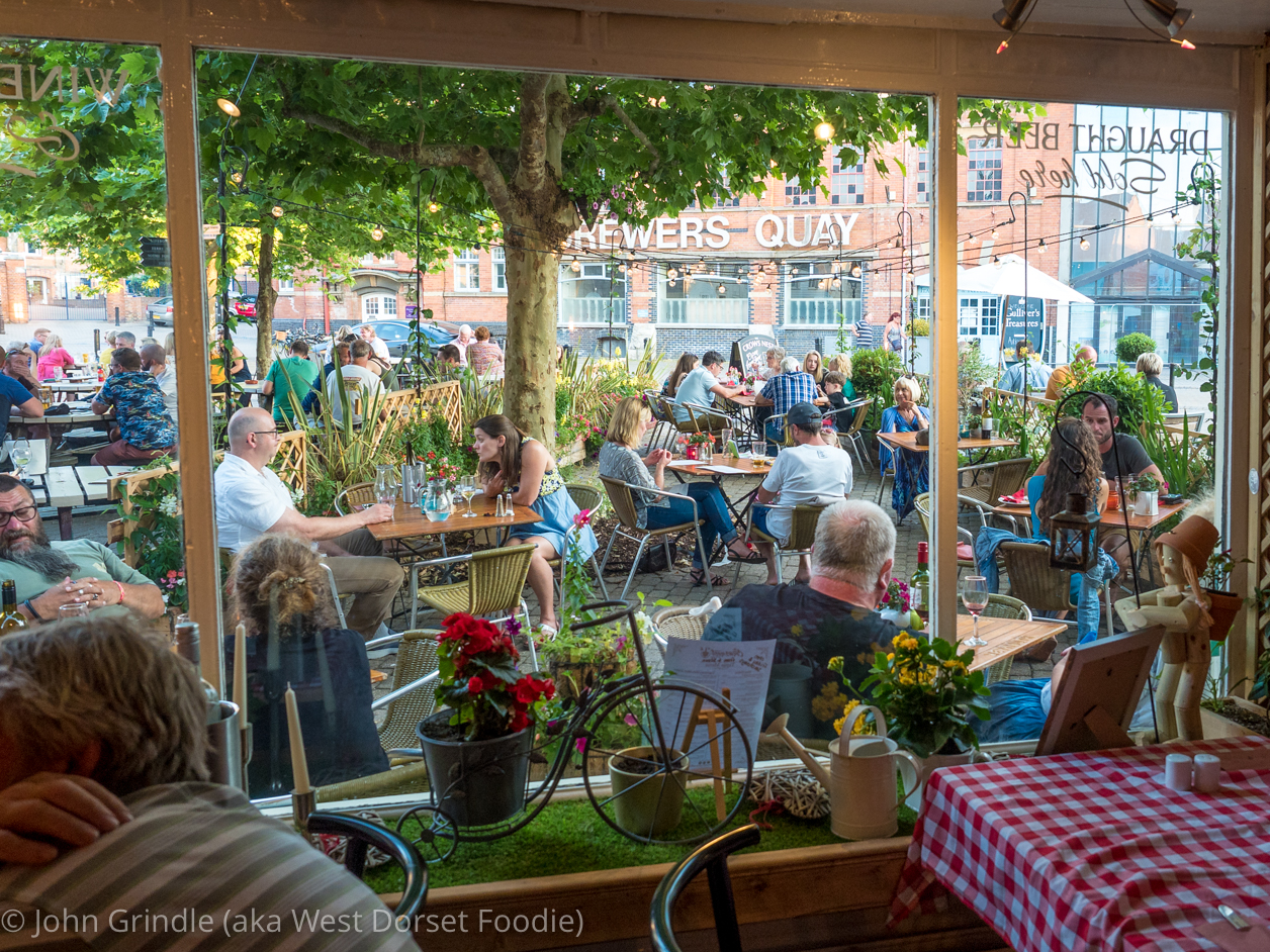 Review of the Crows Nest in the Square in Weymouth
