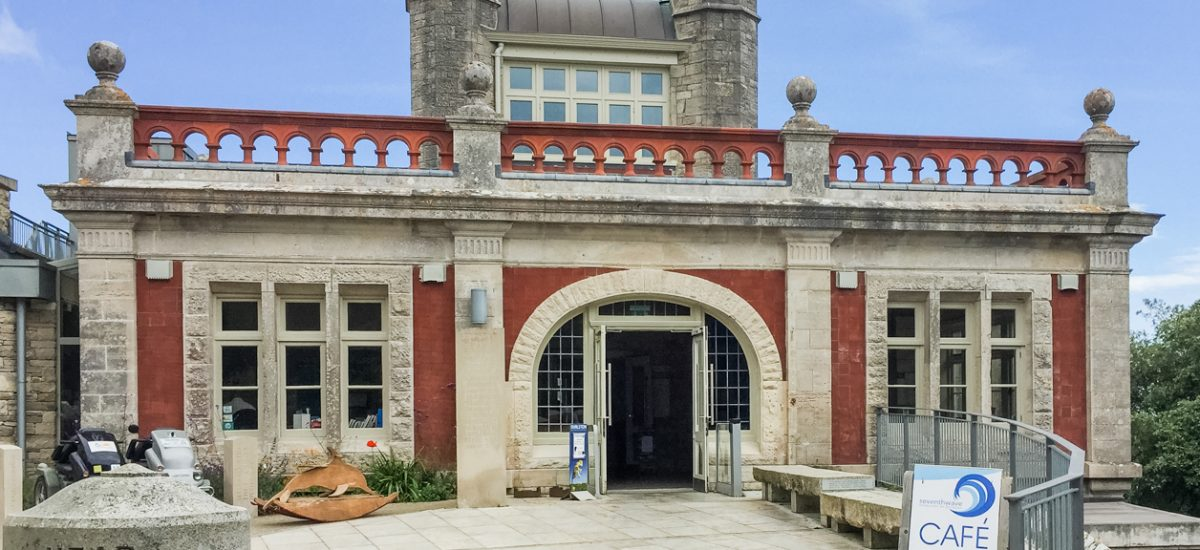 Review of Seventh Wave in Swanage