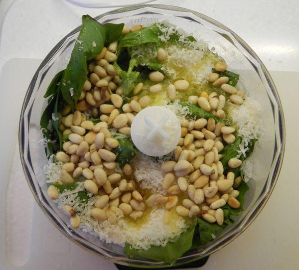 Recipe for wild garlic pesto