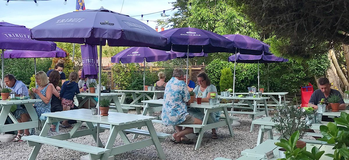 Review of the Greyhound Inn in Corfe Castle